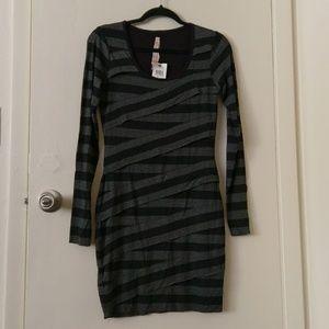 NWT Bailey 44 Tiered Bodycon Dress